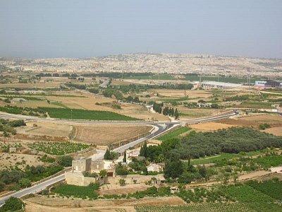 Pohled na Maltu z mdinské citadely