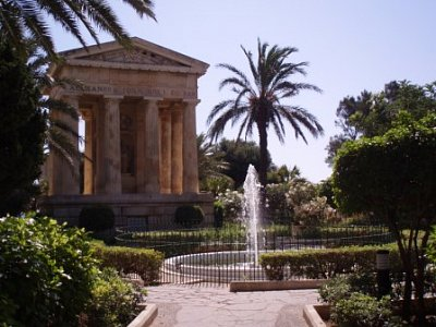 jedna ze zahrad ve Vallettě - jedna z mále zahrad přímo ve Vallettě  (nahrál: addonics)