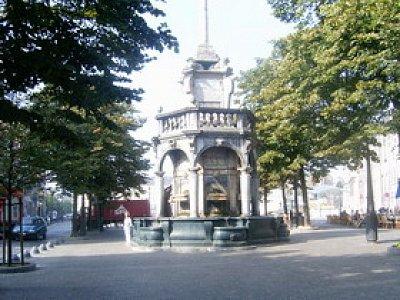 Fontaine du Perron (nahrál: admin)