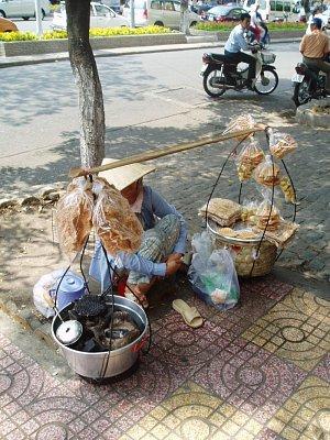Hanoj-pouliční prodavačka (nahrál: admin)