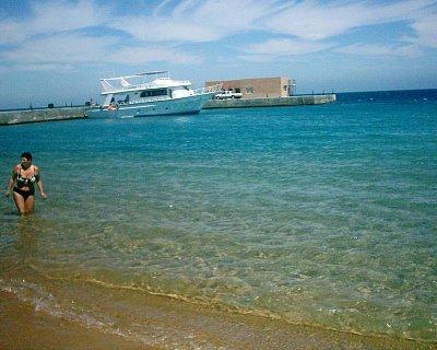 Pláž - Prostorná pláž u hotelu Palm Beach (nahrál: marmi)