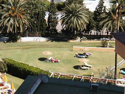 Torreblanca - zahrada u hotelu (nahrál: HelčaS)