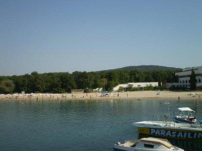 Pláž u Perly, tohle místo mají rádi delfíni (nahrál: Joanna)