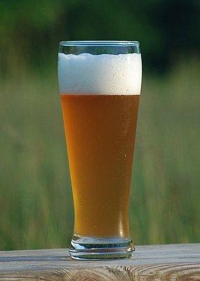 Weizenbier - Weizenbier - tradiční pšeničné pivo ve světlé i tmavé variantě. Zdroj: Wikipedia.org (nahrál: admin)