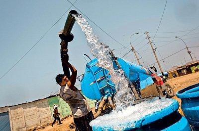 Čerpání vody není nijak chráněno proti kontaminaci. (nahrál: Bohumil Prazský)